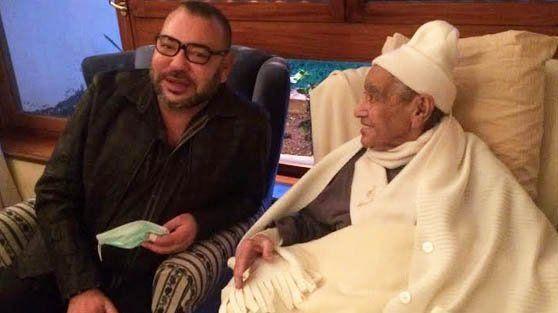 الملك يزور القيادي الاستقلالي المراكشي امحمد بوستة بالمستشفى العسكري