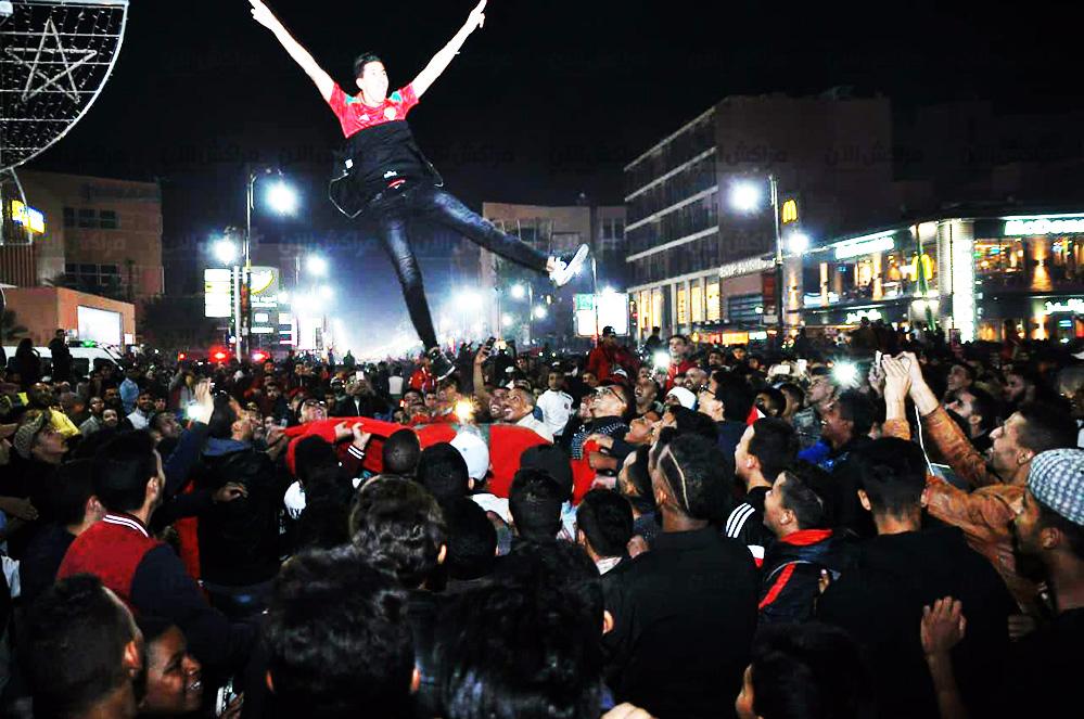 بالصور.. هكذا احتفلت ساكنة مراكش بتأهل المنتخب الوطني لكأس العالم بروسيا