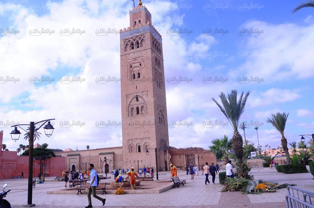 الملك محمد السادس يؤدي صلاة الجمعة بمسجد الكتبية بمراكش +صور