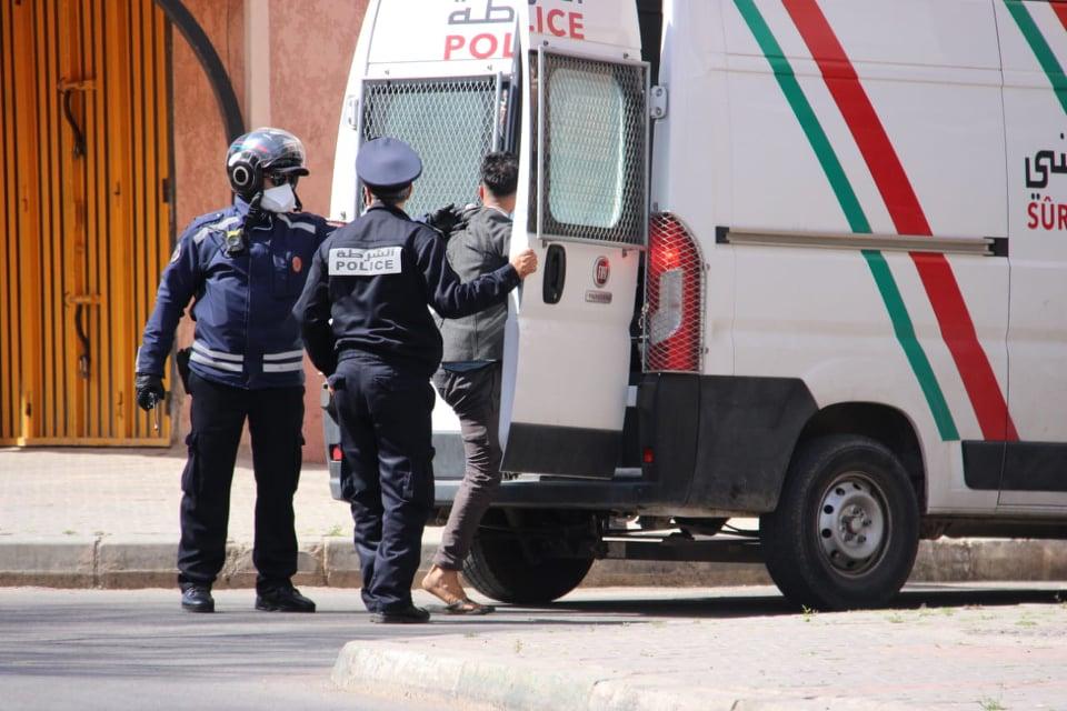 امن مراكش يوقف شخصين على متن سيارة خفيفة وبحوزتهما غرامين من مخدر الكوكايين