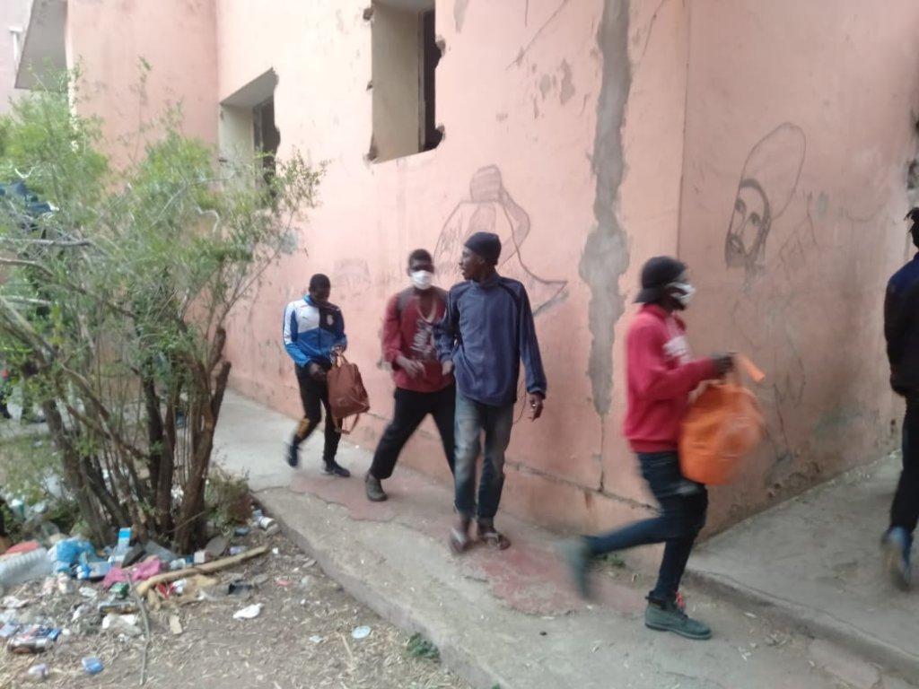 جمعية حقوقية تدق ناقوس الخطر اثر تردي اوضاع المهاجرين الافارقة بمراكش