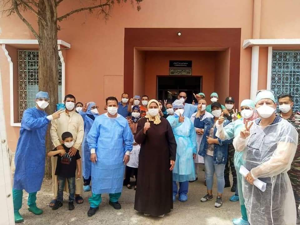 """تعافي 23 مصابا بفيروس كورونا بمستشفى """"المامونية"""" بمراكش +صور"""