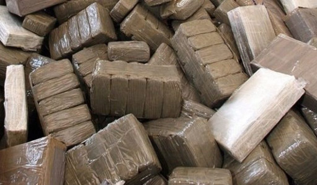 إحباط عملية للتهريب الدولي للمخدرات وحجز كميات مهمة من مخدر الشيرا بالحسيمة