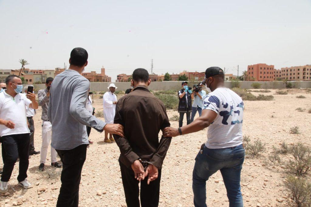 عناصر الشرطة القضائية بولاية الأمن بمراكش تعيد تركيب جريمة قتل فتاة ورمي جثتها بقناة للمياه العادمة +صور