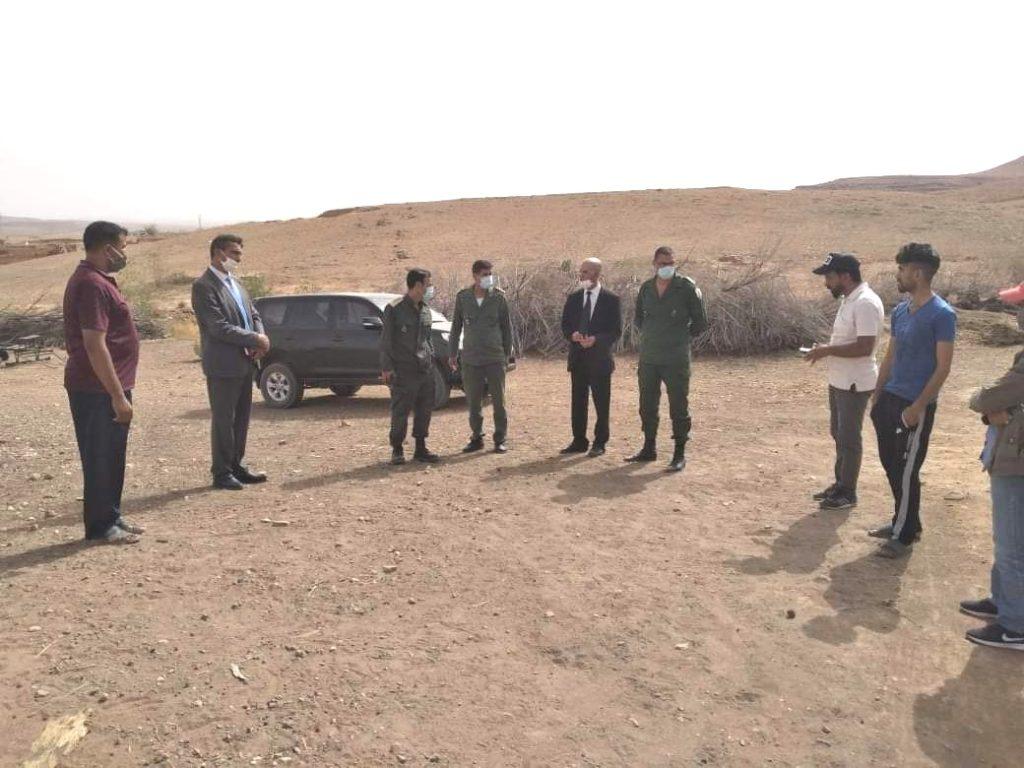 عامل شيشاوة يتفقد مداشر بالمزوضية رفقة مسؤولين ويعطي تعليماته لتوفير الماء الشروب للساكنة