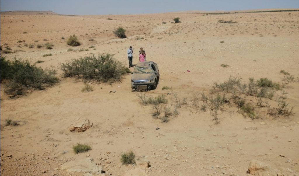 إنقلاب سيارة خفيفة في منعرج خطير بالسعيدات اقليم شيشاوة +صور