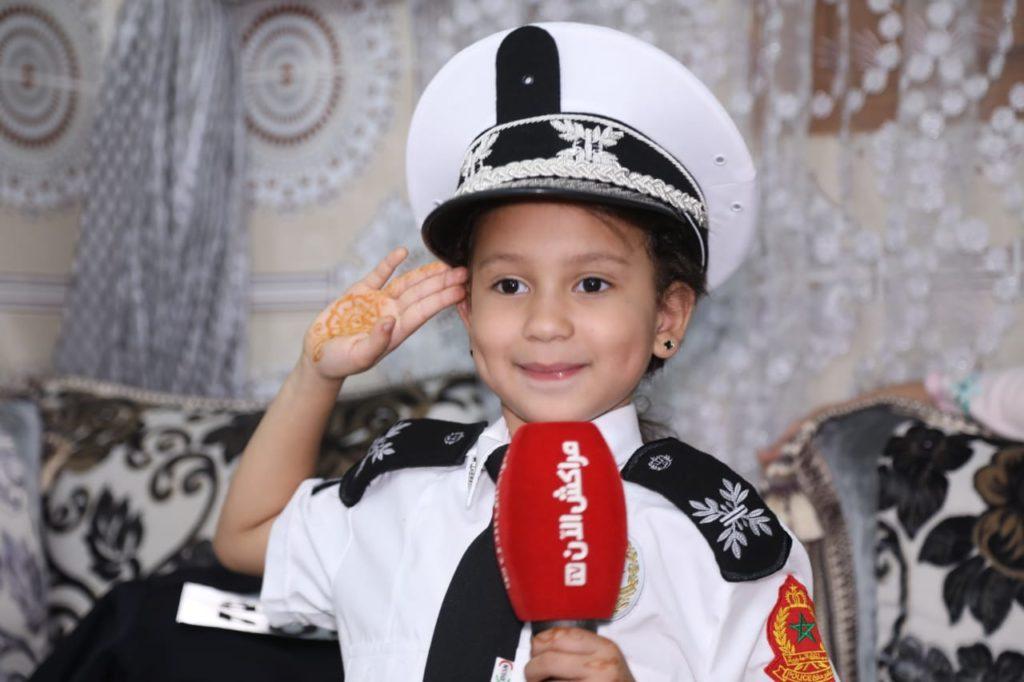 """فيديو.. """"حفصة"""" أصغر شرطية بمراكش: """"شكرا عمي الحموشي على حسن الاستقبال"""""""