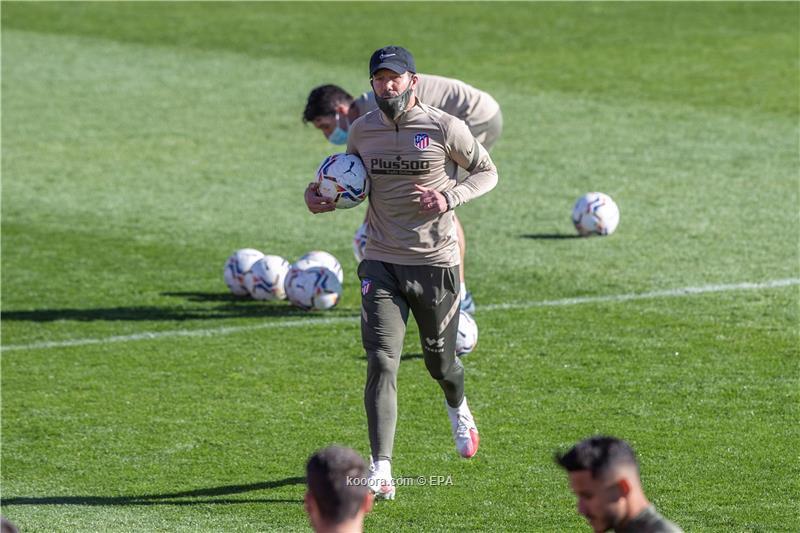 سيميوني يستعيد الثلاثي المصاب قبل مواجهة برشلونة