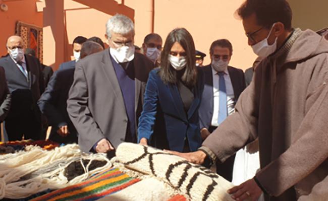 نادية فتاح العلوي تتفقد مؤسسات للصناعة التقليدية بإقليم ورزازات