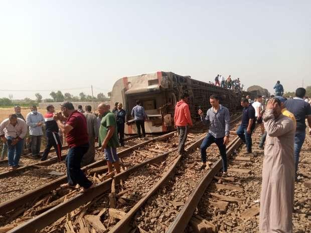97 مصابا بعد خروج قطار عن القضبان شمالي القاهرة
