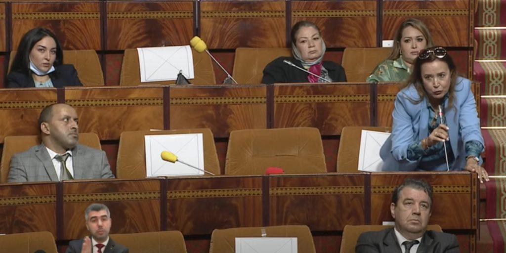 """مجلس النواب يتراجع عن منعه لبرلمانية فدرالية اليسار بسبب """"جواز التلقيح"""""""
